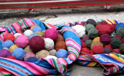 Andean-textiles-yarn
