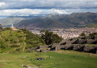 tour! Enjoy a panoramic view of Cusco while getting an appreciation for Inca craftsmanship at Sacsayhuaman. (photo by Erika Skogg)