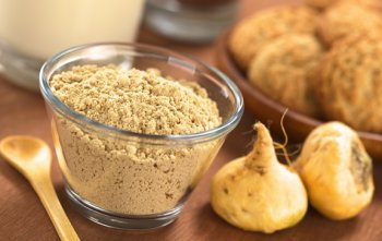 Maca dust and root