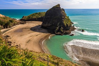 Piha seashore in Auckland